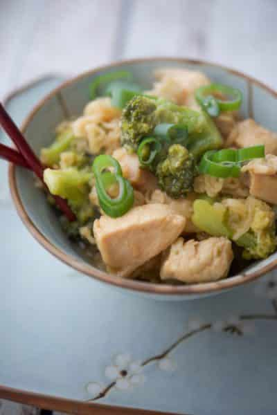 Boneless chicken breasts and fresh broccoli florets tossed with an Asian honey, soy sauce glaze; then mixed with Ramen noodles.