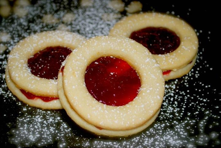 Raspberry Linzer Tarts