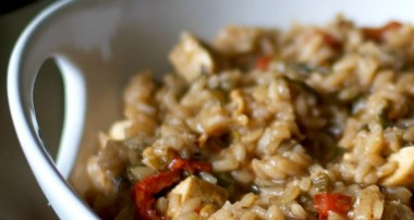 Balsamic Risotto with Grilled Chicken, Fresh Spinach and Sun Dried Tomatoes
