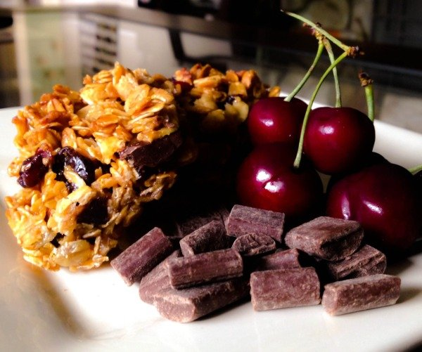 Cherry Chocolate Chunk Granola Bars