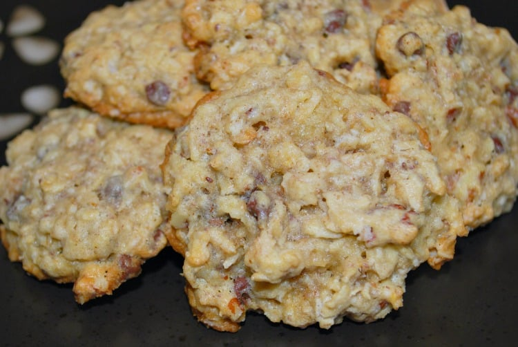 Oatmeal Pecan Chocolate Chip Cookie