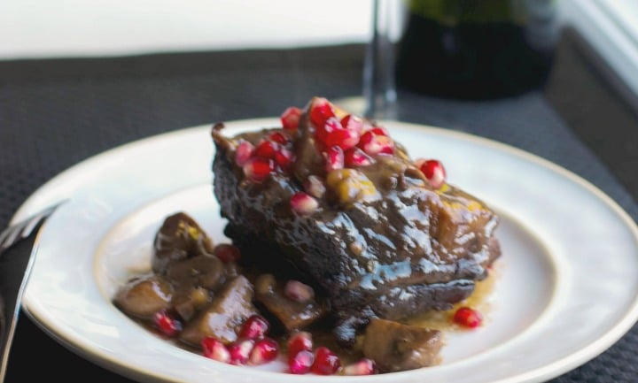 Pomegranate Cabernet Braised Short Ribs - Carrie's ...