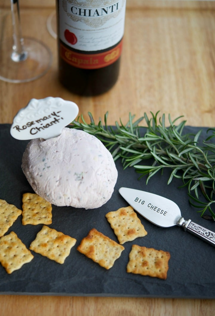 Rosemary Chianti Cheeseball has only a few simple ingredients and makes for a tasty appetizer any time of year.