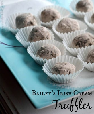 Bailey's Irish Cream Truffles | Carrie's Experimental Kitchen #holidaybaking #truffles