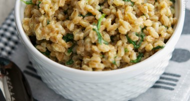 Creamy Farro with Spinach, Garlic & Asiago