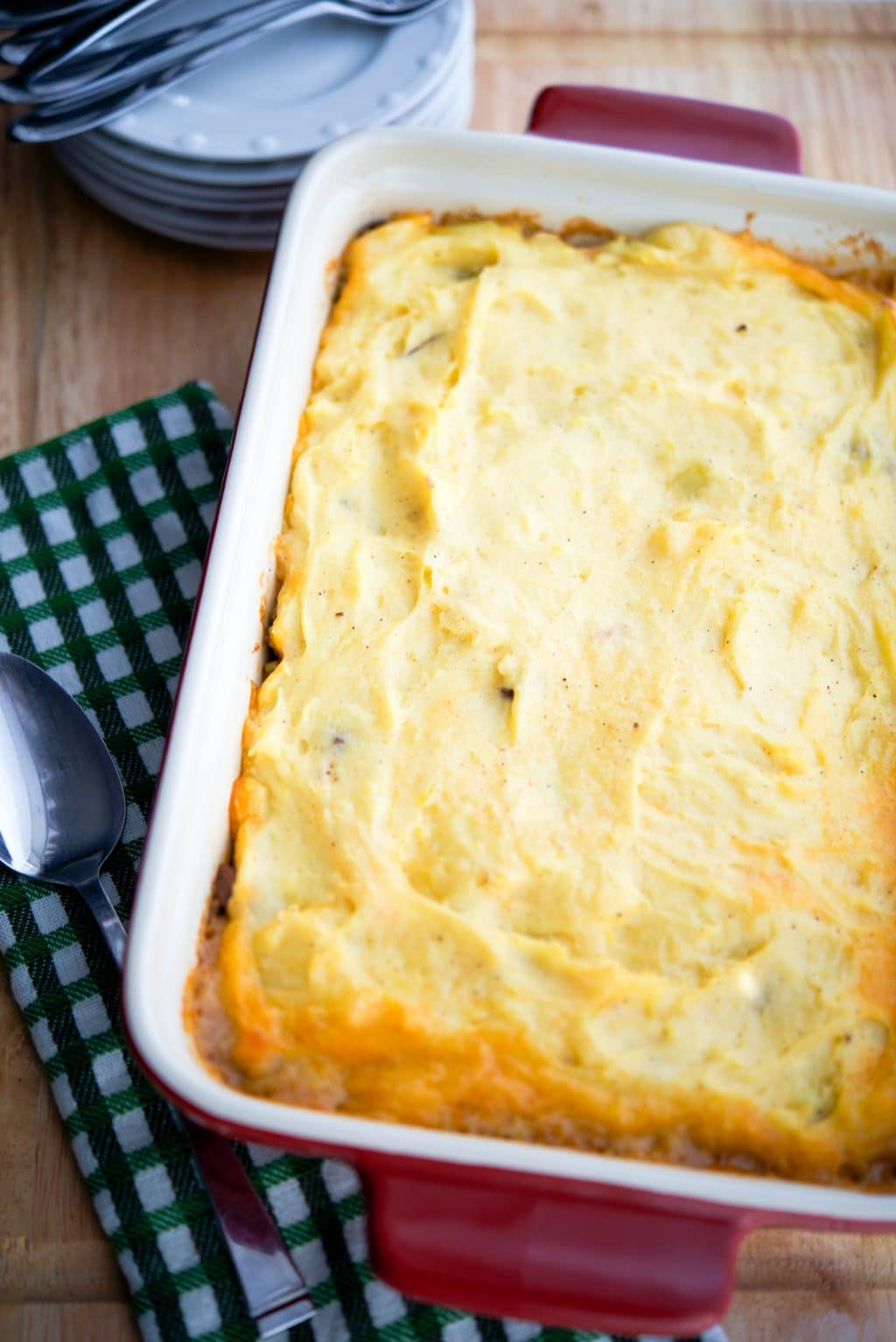 Irish Cottage Pie made with ground beef and mashed potatoes. Click To ...