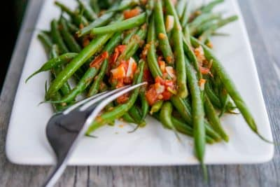 Green Beans with Tomato and Garlic (Olive Garden Copycat) closeup