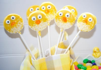 Easter Chick Oreo Pops-closeup