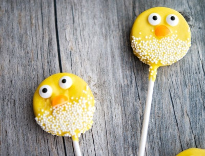Easter Chick Oreo Pops-closeup2