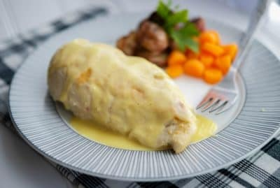 Grilled Chicken with Bearnaise Sauce Horizontal