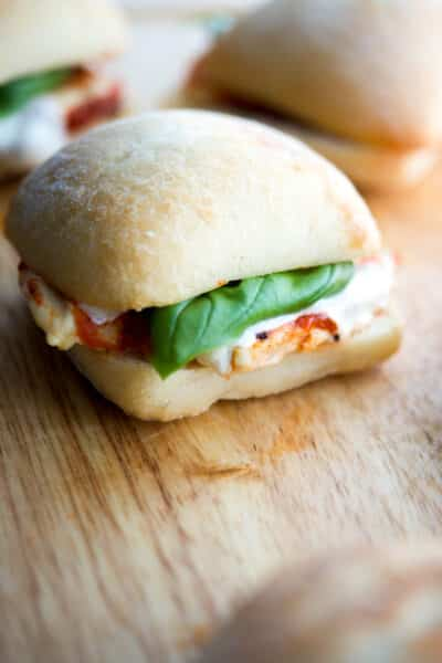 hese Grilled Chicken Parmesan Sliders take only 20 minutes to make and are much healthier than the classic sandwich. Great for parties too!