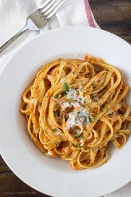 Roasted-Red-Pepper-and-Garlic-Fettucine