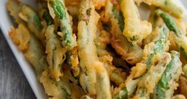 Green Bean Crispers with Lemon Garlic Aioli {Applebee's Copycat}