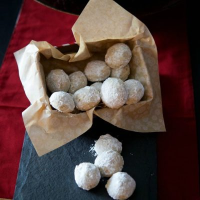 Pecan Snowballs are a rich, buttery pecan cookie rolled in confectioners sugar and make a delicious addition to your holiday cookie platters.  #cookies #christmascookies #holidaybaking #holidays #christmas