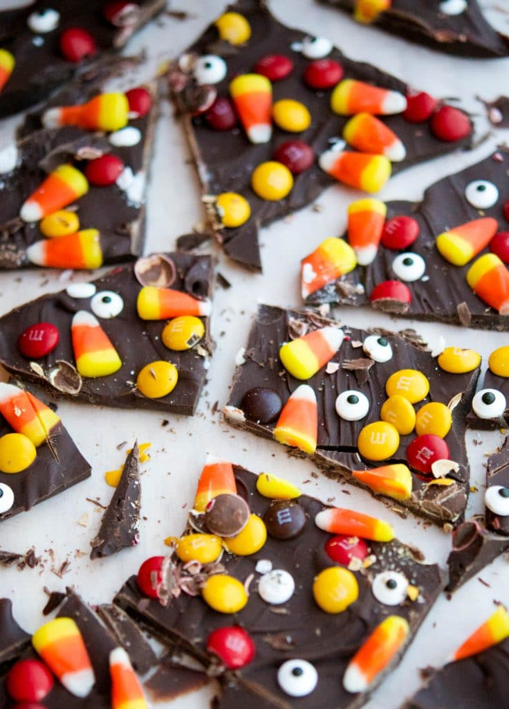 If you're not much of a baker, yet want to make something fun and festive; then this recipe forHalloween Candy Bark is perfect for you!