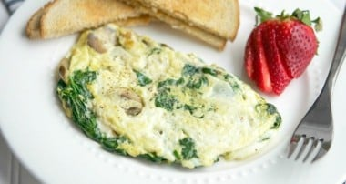 Spinach, Mushroom and Havarti Egg White Omelette